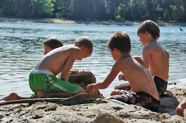 Tourist-Info-Het-Reestdal_CT_bekijkendoen_met-kinderen_waterpret-natuurvijver.zand