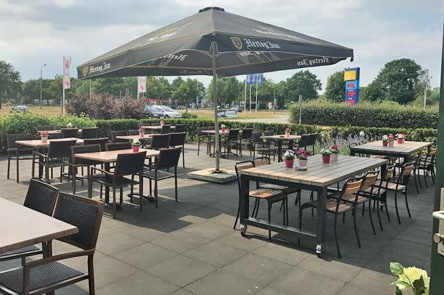 Tourist-Info-Het-Reestdal-CT_etendrinken_restaurants_wegrestaurant-de-raket-Rogat-terras-01
