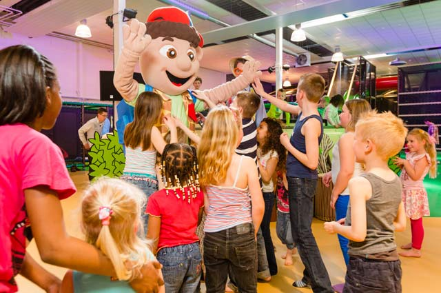 Tourist-Info-Het-Reestdal_CT_bekijkendoen_kinderen_als-het-regent_indoor-speeltuinen-Djambo-kidsplay-Zwolle