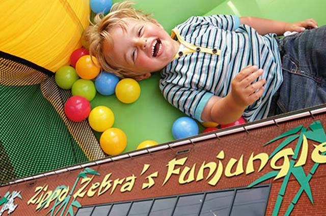 Tourist-Info-Het-Reestdal_CT_bekijkendoen_kinderen_als-het-regent_indoor-speeltuinen_Zippa-Zebra-funjungle-Hoogeveen