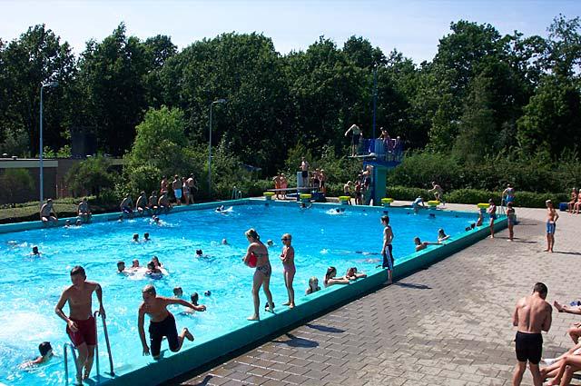 Tourist-Info-Het-Reestdal_CT_bekijkendoen_met-kinderen_waterpret-zwembad-De-Slenken-de-Wijk