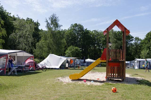Tourist-Info-Het-Reestdal_CT_overnachten_campings_De-Vossenburcht-2