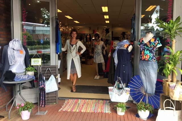 Tourist-Info-Het-Reestdal_CT_bekijkendoen_recreatie-vrije-tijd_winkelen_winkelen-in-Staphorst-JennCollier-mode-sieraden