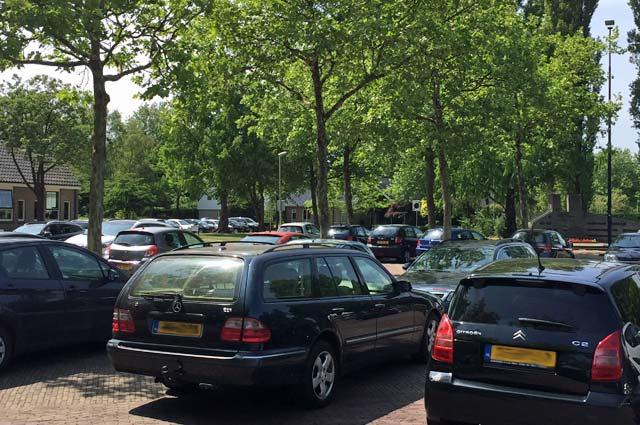Tourist-Info-Het-Reestdal_CT_bekijkendoen_recreatie-vrije-tijd_winkelen_winkelen-in-Staphorst-parkeren
