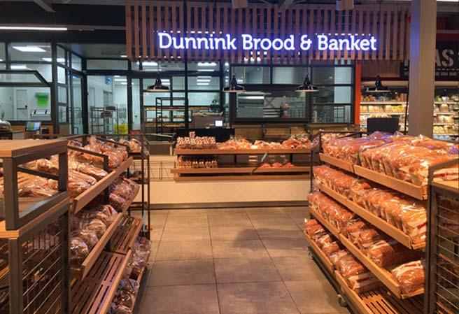 Tourist-Info-Het-Reestdal_CT_bekijkendoen_recreatie-vrije-tijd_winkelen_winkelen-de-Wijk_eigen-bakkerij-Dunnink-Coop-supermarkt