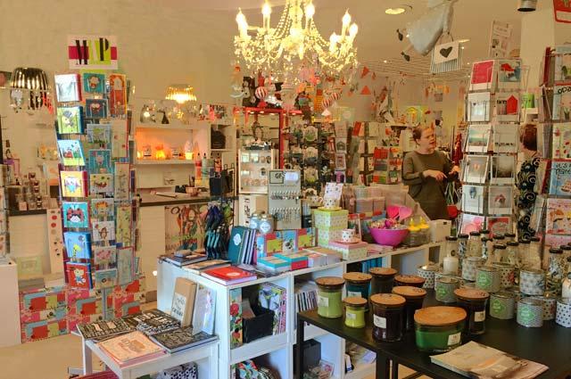Tourist-Info-Het-Reestdal_CT_bekijkendoen_recreatie-vrije-tijd_winkelen_winkelen-in-Zuidwolde_cadeaushop-KunstZinnig04