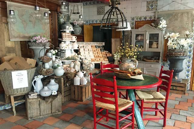 Tourist-Info-Het-Reestdal_CT_bekijken-doen_winkelen_winkelen-staphorst-ijhorst_Roel-souvenirs-decoratie