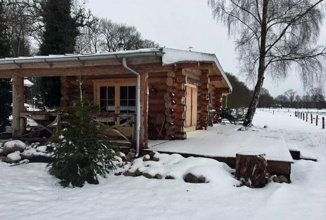 Tourist-Info-Het-Reestdal_CT_overnachten_bed-en-breakfast_Schotsland-IJhorst-blokhut-sneeuw