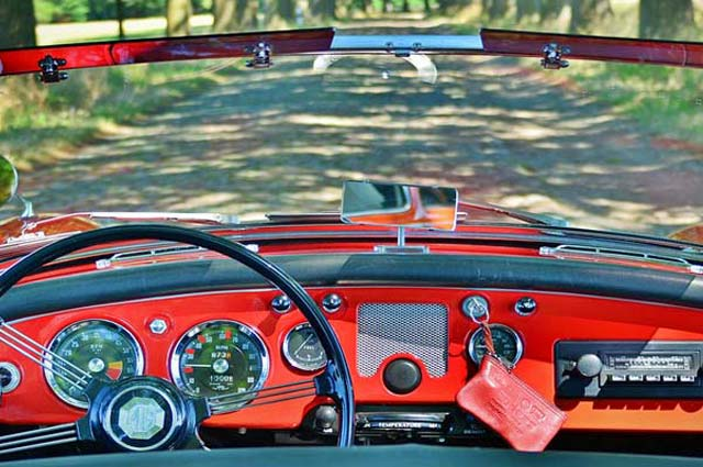 cabrio dashboard juni