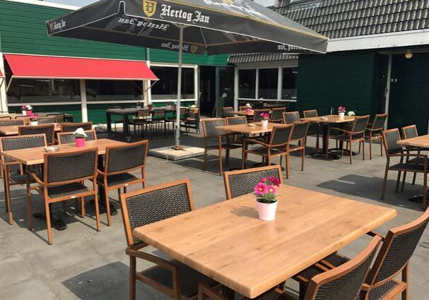 Tourist-Info-Het-Reestdal-CT_etendrinken_restaurants_wegrestaurant-de-raket-Rogat-terras
