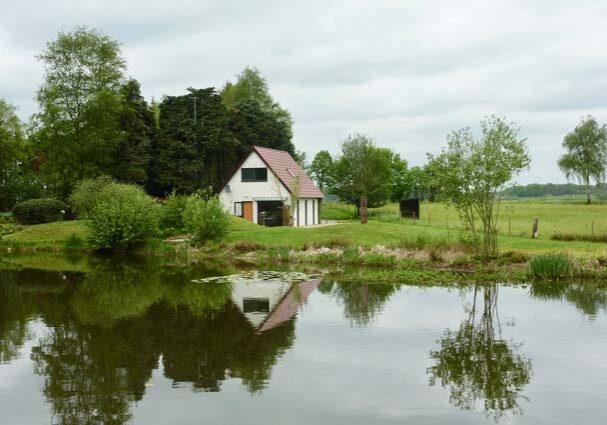 Tourist-Info-Het-Reestdal_CT_overnachten_vakantiewoningen_vakantiehuisje-aan-het-water-Zuidwolde-Drenthe